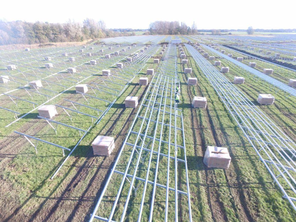 inicio de instalação de paineis fotovoltaicos